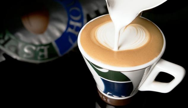 perfekt-skummad-latte-hos-espresso-house.png